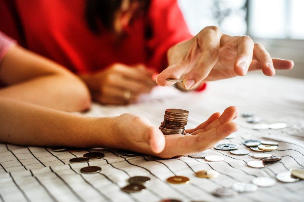 Qu'est-ce qu'un service de gestion de la paye en ligne ?